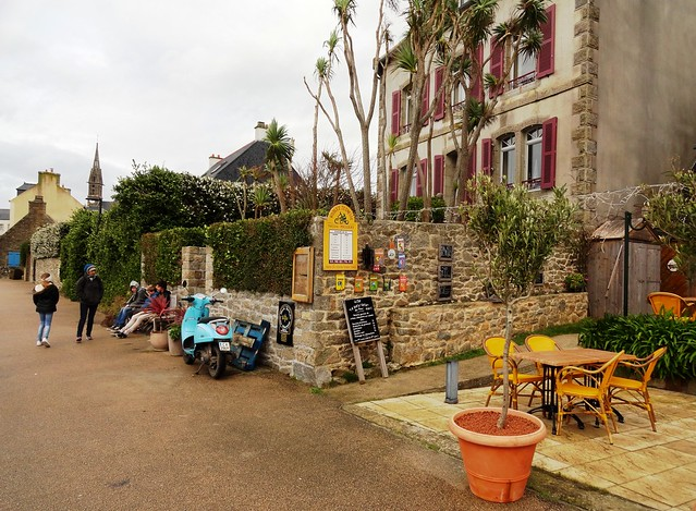 Cafe at the Seafront, The Village, Ile de Batz, Finistère, Bretagne, France
