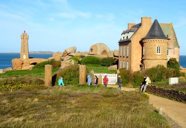 Guida al Sentier des Douaniers ed alla Spettacolare Côte de Granit Rose di Ploumanac'h in Bretagna