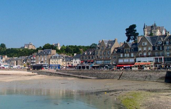 Port de la Houle near Marché aux Huîtres in a Sunny Day, Cancale, Ille-et-Vilaine, Bretagne, France
