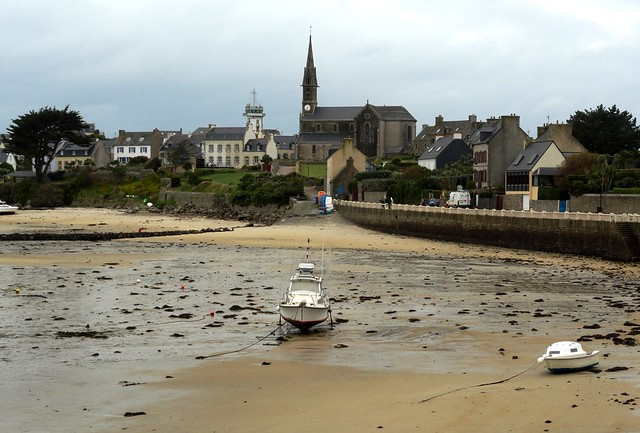 The Village and the Harbour at Low Tide, Ile de Batz, Finistère, Bretagne, France