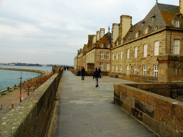 Walking on Les Remparts, Saint-Malo, Ille-et-Vilaine, Bretagne, France