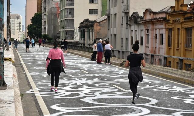 Walking and Running, Minhocão, São Paulo, Brazil