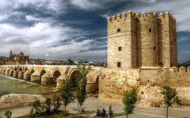 Puente Romano and Torre de la Calahorra with the Mezquita in Background, Córdoba, Andalusia, Spain