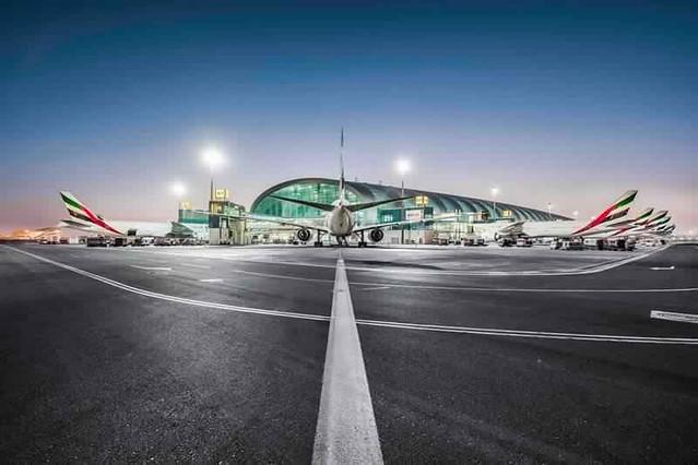 Come Andare dall'Aeroporto di Dubai al Centro ed a Dubai Marina: Guida Completa ai Trasporti Aeroportuali a Dubai